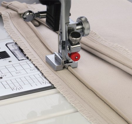 Piedino per cerniera invisibile 9mm